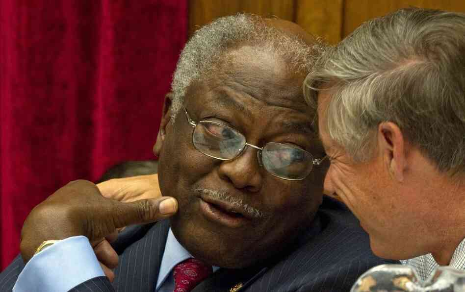 Rep. James Clyburn (l), a South Carolina Democrat, and Rep. Fred Upton, a Michigan Republican, members of the Joint Select Committee on Deficit Reduction.