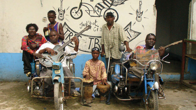 The Congolese street band Staff Benda Billi was discovered playing outside a zoo by a group of French filmmakers.