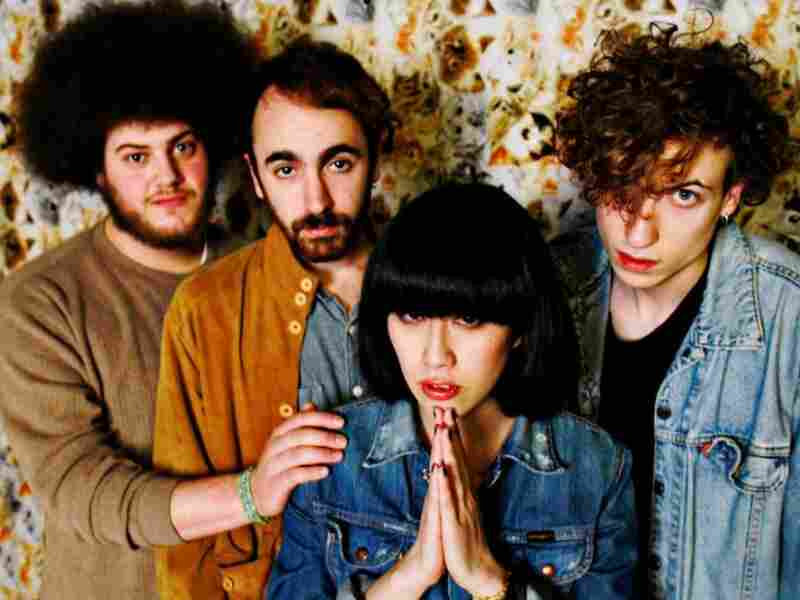 """In """"Soothe Me,"""" the U.K. band Yuck crafts a distinct mix of volume, sensitivity and precocious naiveté."""