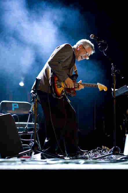 "Marc Ribot laid down some serious ""outside"" jams with his trio, Ceramic Dog, at the Paramount Theatre on Saturday afternoon."