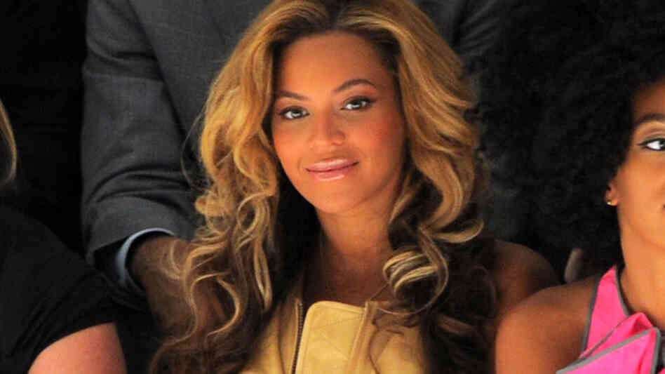 Singer Beyonce Knowles attends the Vera Wang Spring 2012 fashion show at The Stage at Lincoln Center on September 13, 2011 in New York City.