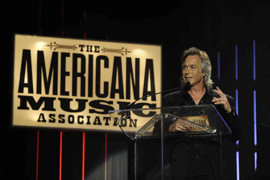Host Jim Lauderdale introduces the night's show.