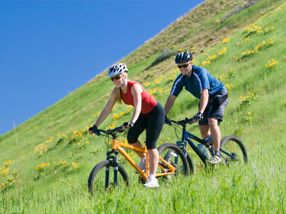 <p>Some cyclists' most memorable rides are about the setting, others', the company.</p>