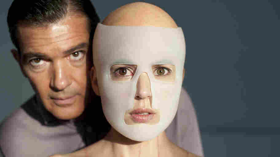 Vera (Elena Anaya) is both patient and obsession for plastic surgeon Robert Ledgard (Antonio Banderas), who is bent on creating a synthetic skin that can resist any kind of damage.