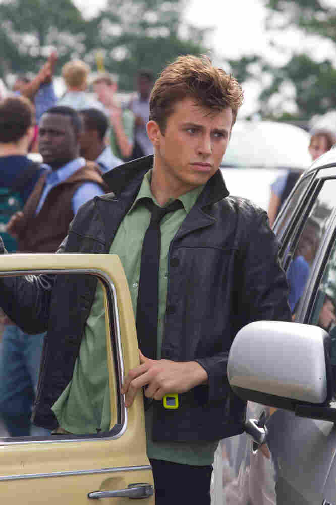 Kenny Wormald still wears a tie, as Ren must. As Bacon did. As every Ren will, into the future.