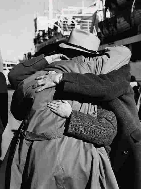Families from Romania reunite in Haifa Port, 1951