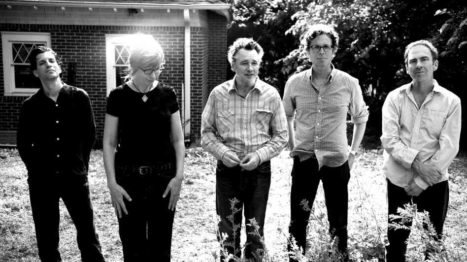 The Jayhawks (left to right): Marc Perlman, Karen Grotberg, Mark Olson, Gary Louris, Tim O'Reagan.
