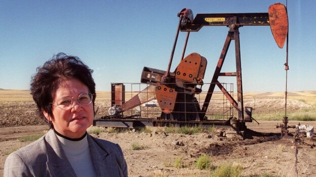 Elouise Cobell, seen here in front of an oil well on the Blackfeet Indian Reservation near Browning, Montana in 1999.