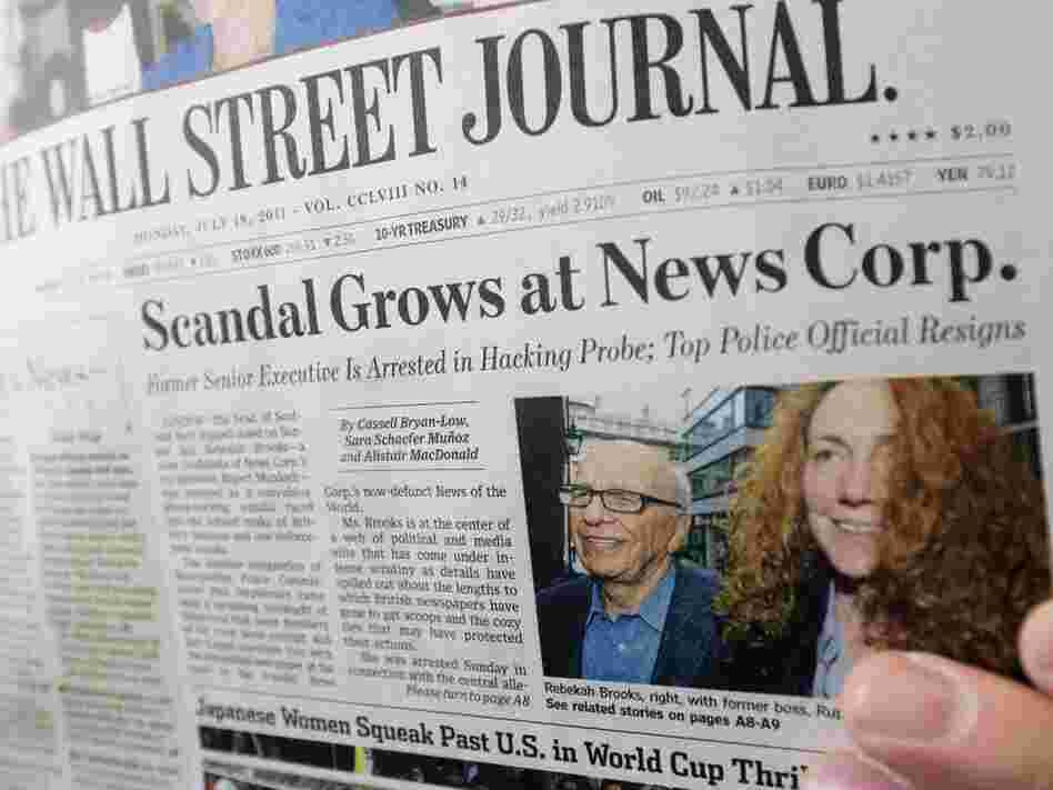 The Journal, the flagship of Murdoch's US print operations, also warned that pressure to investigate News Corp. under US laws against bribing foreign officials could backfire on the entire media.