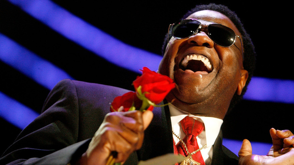 Al Green performs during the 2009 Essence Music Festival at the Louisiana Superdome in New Orleans. (Getty Images)