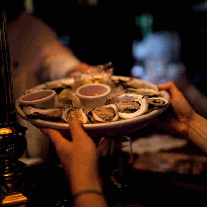 Late night oysters may be discounted, but they're usually no less fresh than oysters served at any other hour.