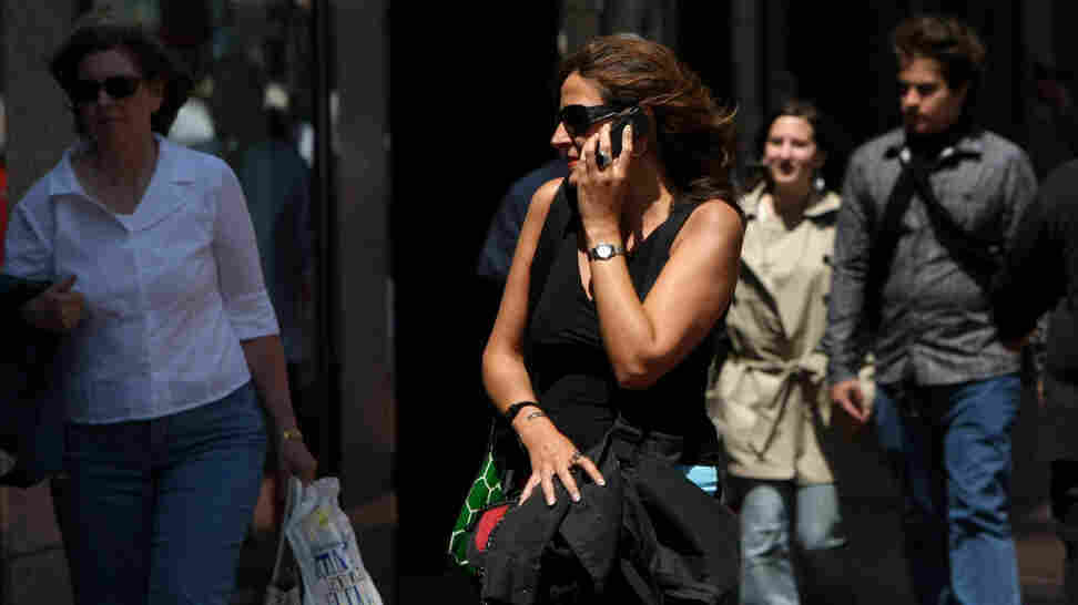 The latest study to look at cellphone safety found no increased risk of brain cancer.
