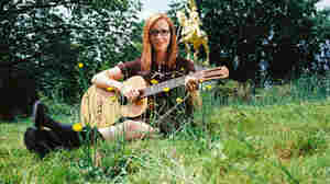 First Listen: Laura Veirs, 'Tumble Bee'