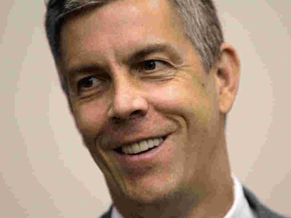 Education Secretary Arne Duncan visited Oregon earlier this month, and he heard from an Oregon City teacher who complained about the rules of a performance-based pay bonus grant.