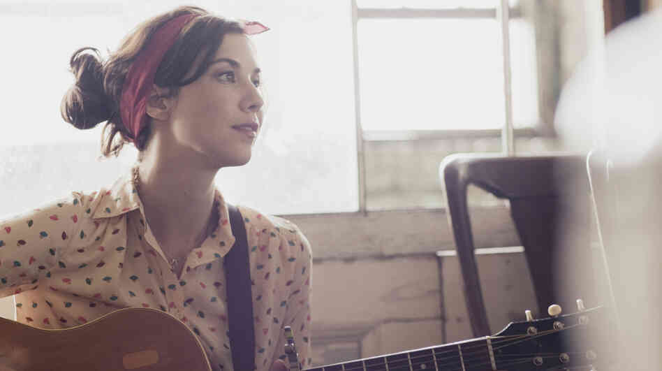 Lisa Hannigan's second album, Passenger, is out now.
