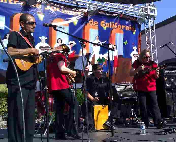 Conjunto Jardin performs at a Son Jarocho event.