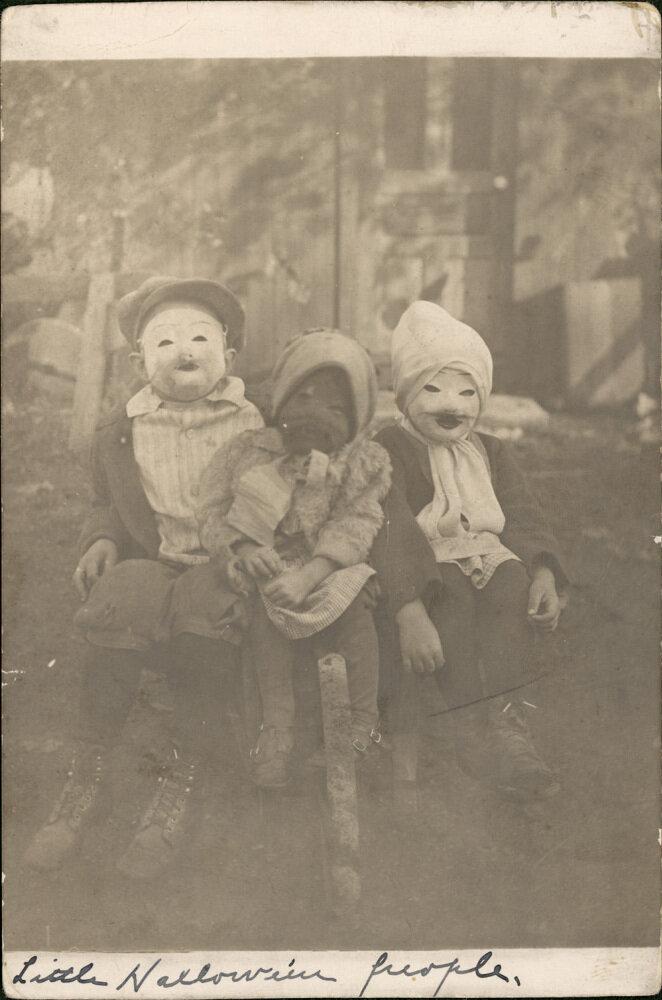 Vintage Halloween Photos Creepy Enough For David Lynch : The ...
