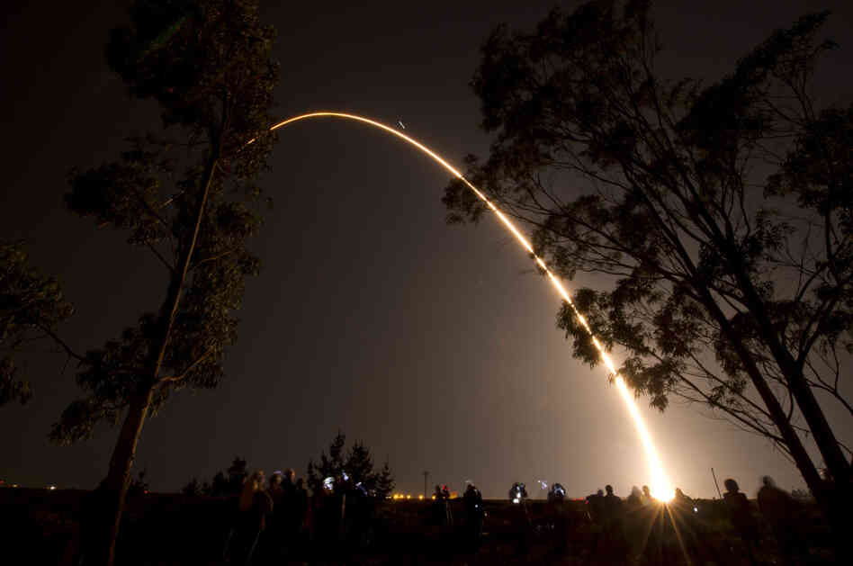 A Delta II rocket launches with the NPOESS Preparatory Project (NPP) spacecraft  from Space Launch Complex 2 at Vandenberg Air Force Base, Calif.
