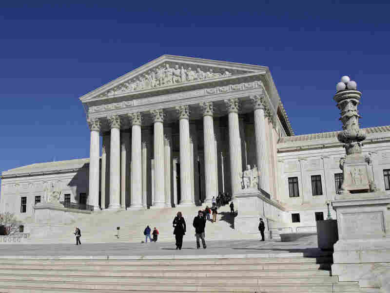 The Supreme Court hears two cases about ineffective lawyers on Monday.