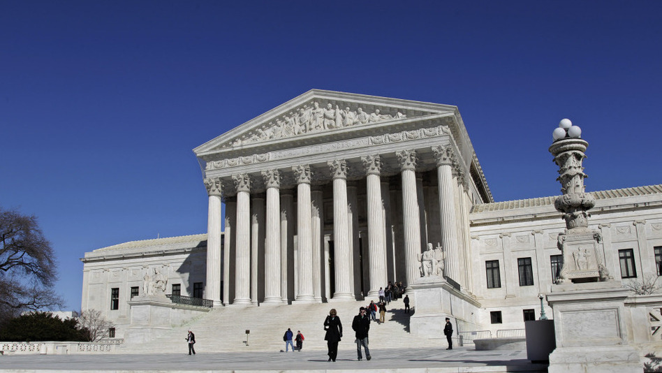 <p>The Supreme Court hears two cases about ineffective lawyers on Monday. </p>