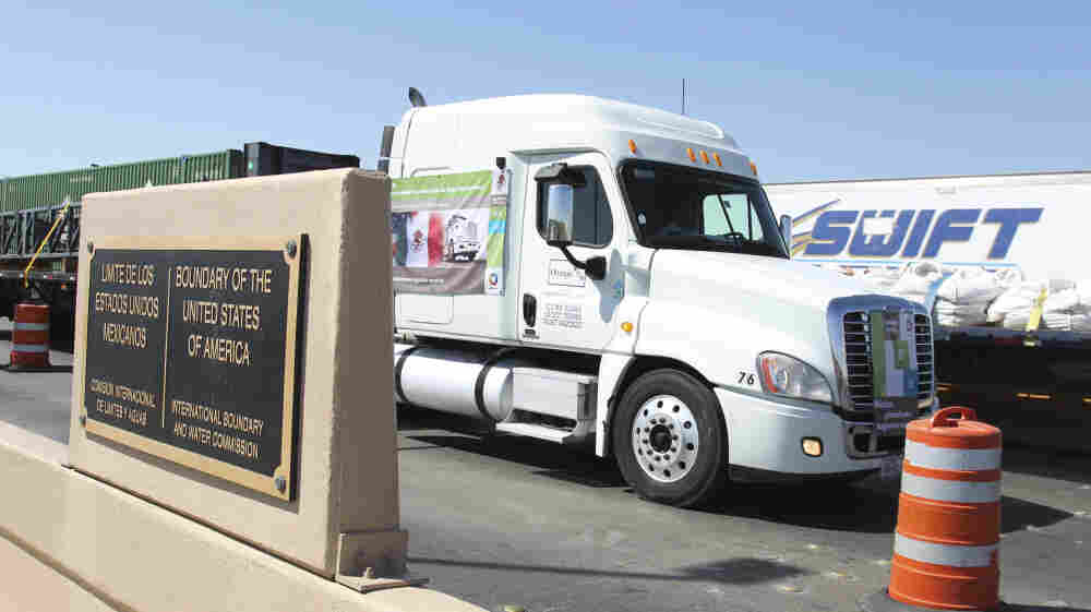 For the first time under the North American Free Trade Agreement, a Mexican tractor-trailer crossed into the U.S. on a trip to the country's interior on Oct. 21.