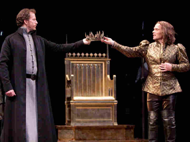 Charles Borland as Henry Bolingbroke and Michael Hayden as King Richard II in the Shakespeare Theatre Company's production of William Shakespeare's Richard II, directed by Michael Kahn.