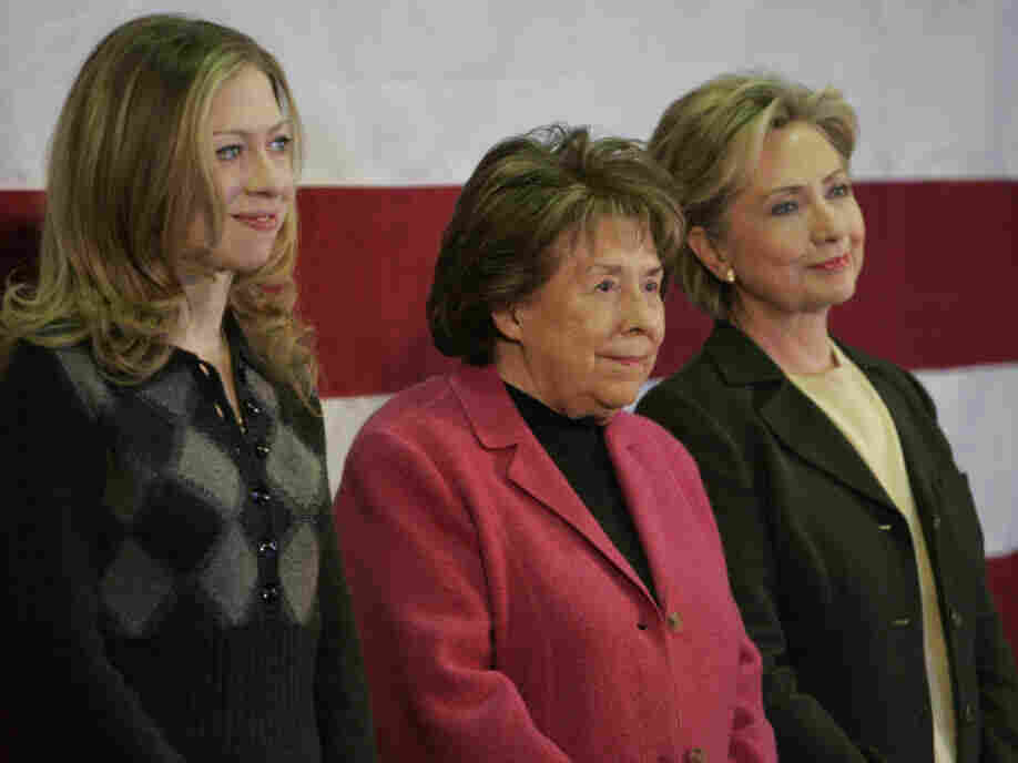 Dorothy Rodham (center) with her daughter Hillary and granddaughter Chelsea at a January 2008 campaign event in Iowa.