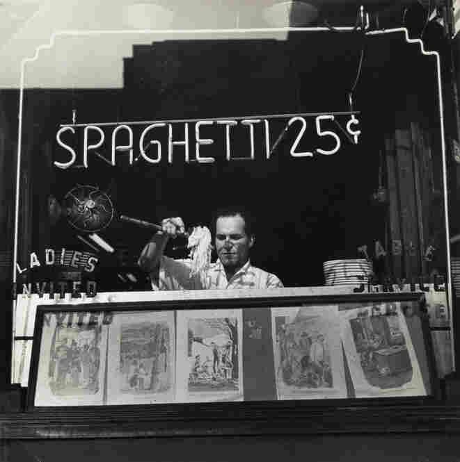 Spaghetti 25 Cents, New York, 1945