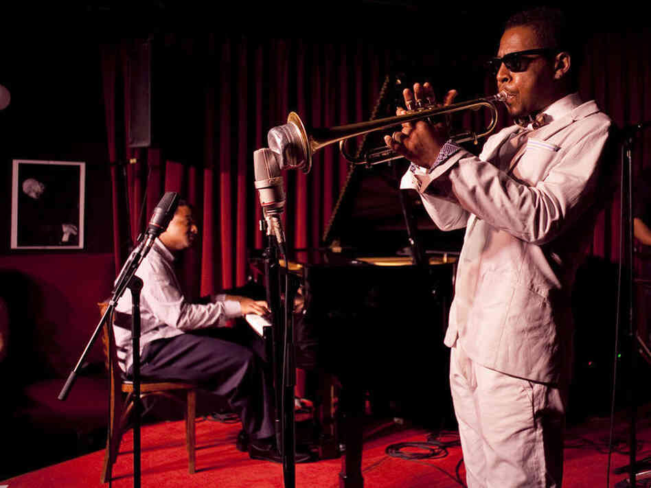 Roy Hargrove performs at theroy village
