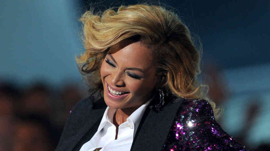 How could you not love this lady? Beyonce, having what looks like a ton of fun at this year's MTV Video Music Awards.