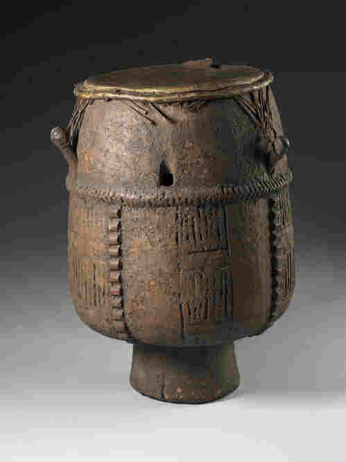 The Akan drum was made in West Africa but found in Virginia in the 1700s. Most likely brought to America on a slave ship, this drum and others like it mark the beginnings of the African-American traditions of blues and jazz.