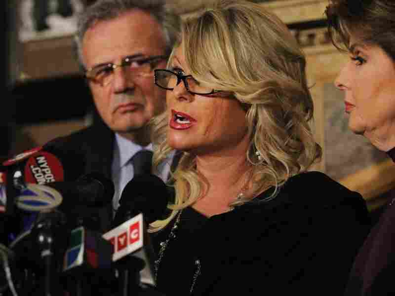 Sharon Bialek speaks during a news conference to accuse Republican presidential candidate Herman Cain of sexual harassment more than a decade ago on Nov. 7, 2011 in New York City.