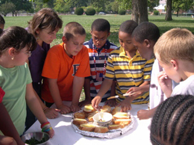 Students of the the Dawes School Edible Garden Project, a program of Slow Food Chicago.