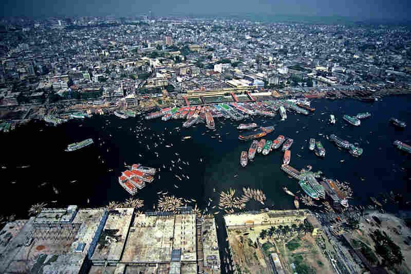 Buriganga aerial, Dhaka, Bangladesh, 2006