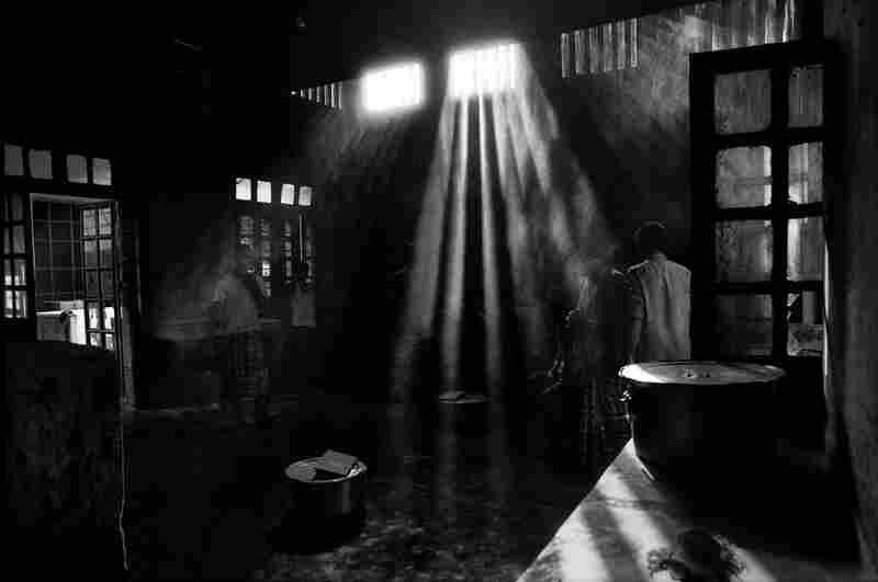 Hemayetpur kitchen, Hemayetpur, Pabna, Bangladesh, 1994