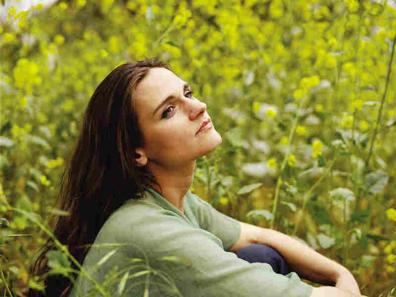 """Singing """"Wild Card in the Hole,"""" Madeleine Peyroux would have been perfectly at home when the song was written in 1949."""