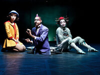 Mark Ward (center) plays John, <em>Quidam</em>'s ringmaster.