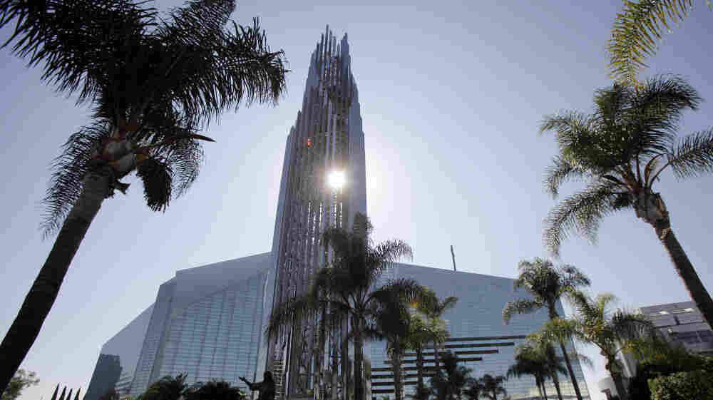 The Crystal Cathedral in Garden Grove, Calif., known for its Hour of Power broadcasts, is being sold to the Roman Catholic Diocese of Orange.
