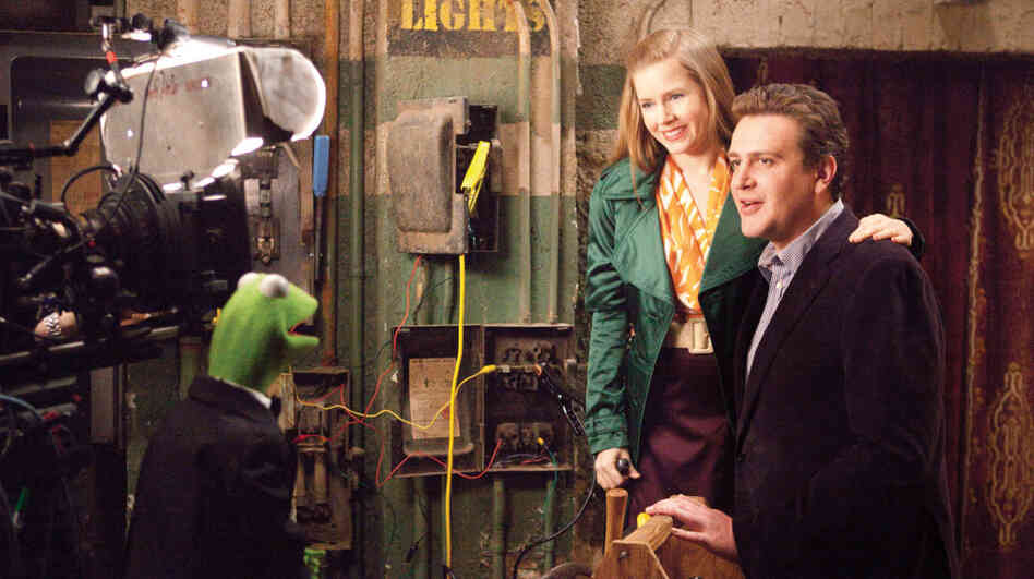Anchorphibian: Kermit the Frog does the backstage-chat thing with Amy Adams