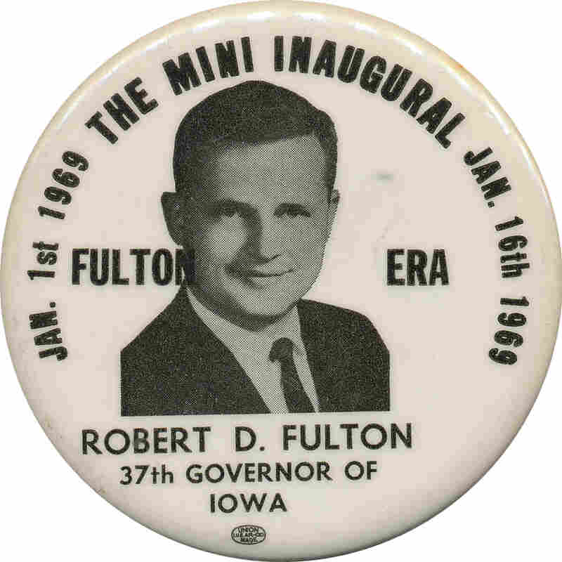 Fulton button