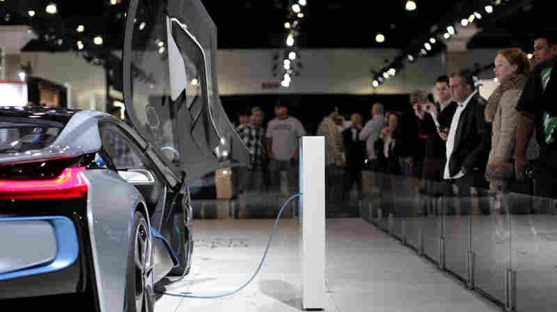 Automakers Set To Steer Customers To Hybrids