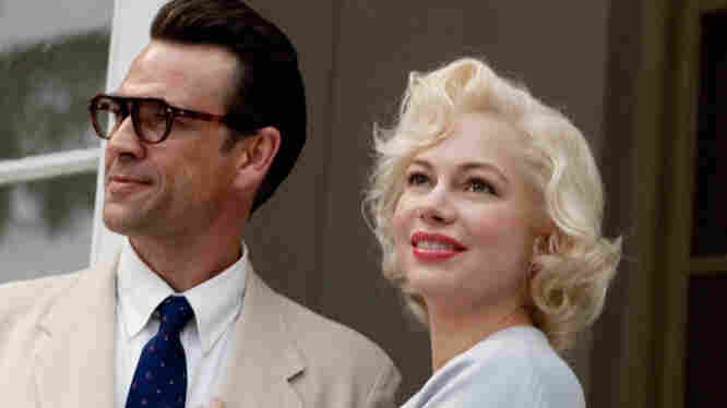 A Yankee At Court: In My Week with Marilyn, Marilyn Monroe (Michelle Williams) is on location in England with her then-husband, the celebrated playwright Arthur Miller (Dougray Scott), to film The Prince and the Showgirl with Laurence Olivier.