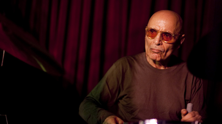 Paul Motian, performing live at the Village Vanguard. (johnrogersnyc.com)