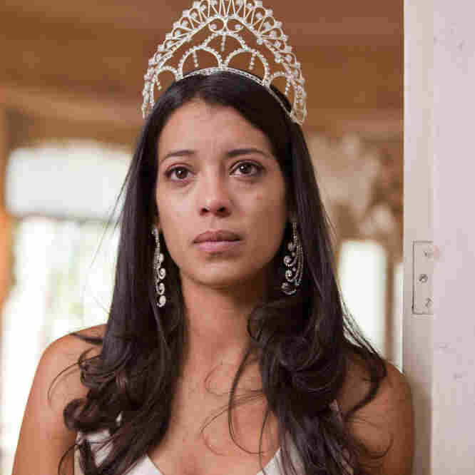 In Mexican Film, Beauty Queen Meets Drug Lord