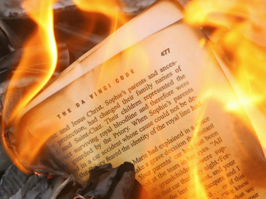 the art of burning books fahrenheit Writer ray bradbury's 1953 novel, fahrenheit 451, brings to life a dystopian  american  every damn book there is—that is, with the exception of the art of the  deal  and judging by the style of this teaser, burning books, and.