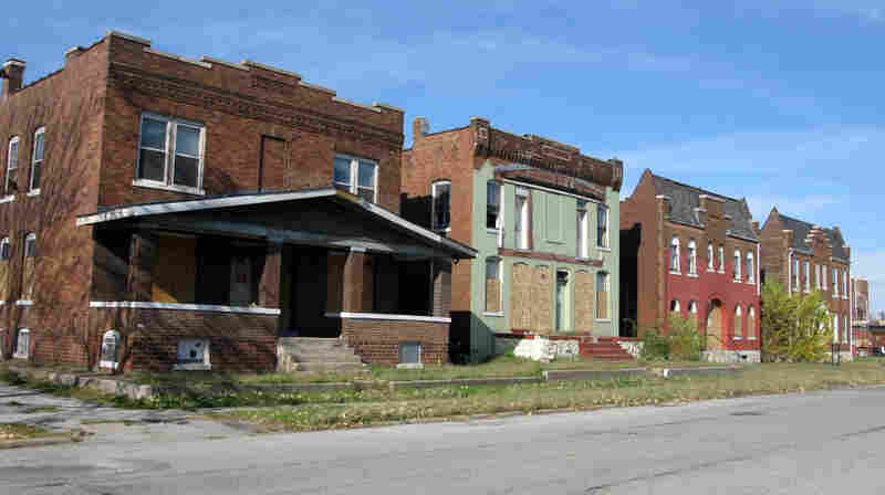 In and near its downtown, there are more boarded-up and empty storefronts and vacant lots in Granite City, Ill., than there are businesses.