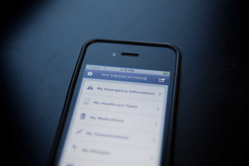The American Medical Association's new smartphone app helps you track your medications and other health data.