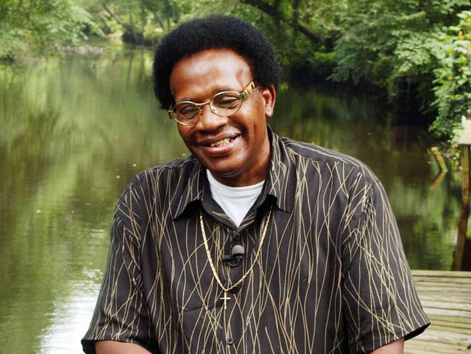 Soul singer Howard Tate died last Friday after a battle with cancer. He was 72.