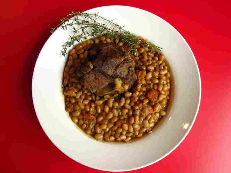 Lamb shanks with white beans