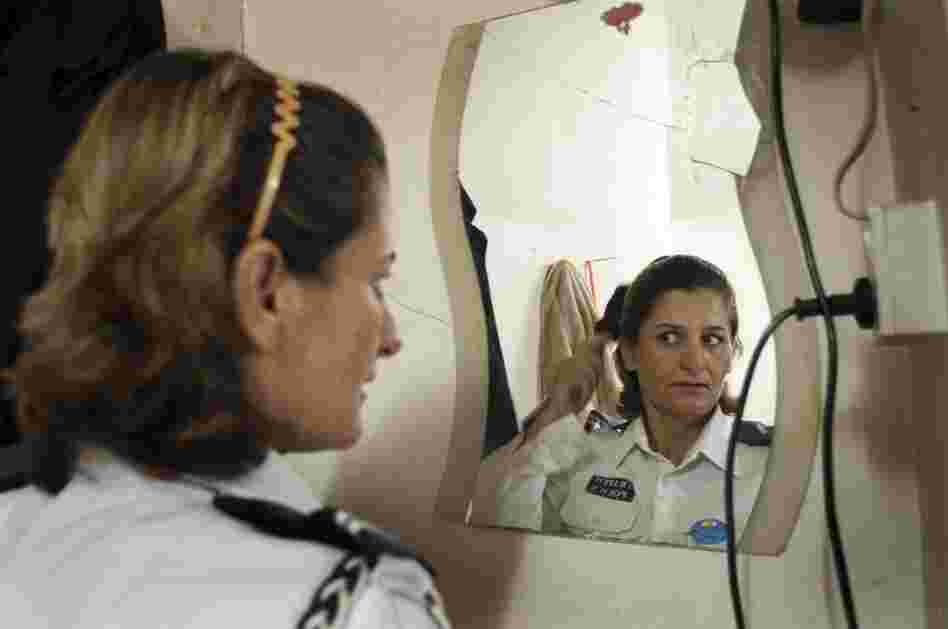Hasiba Jasni, 36, is a traffic policewoman in Iraq.